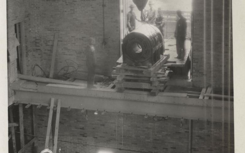 A photo of the 1,250 mW electrict generator (CHP) coming in through the window circa 1929-1930